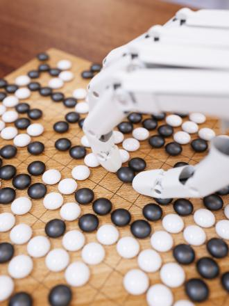 Robot AlphaGo champion du jeu de Go