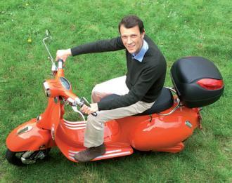 Ghislain LESTIENNE en scooter électrique