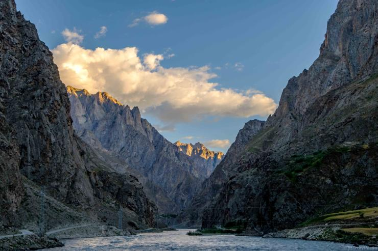 Rivière au Tadjikistan