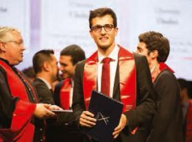 Ingénieur polytechnicien diplômé.