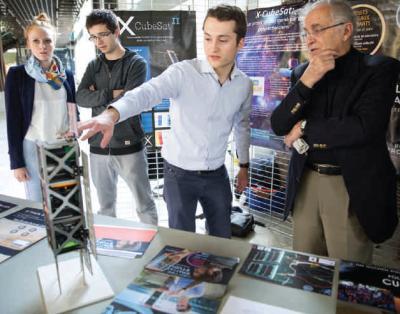 Présentation de CubeSat, le satellite de l'École polytechnique