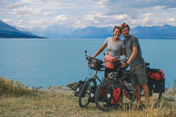 Lac Pukaki : eau bleu turquoise du glacier Mont Cook.