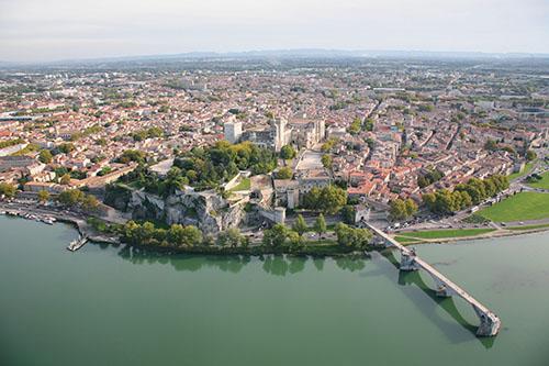 À Avignon et autour, l'extension des zones commerciales est interdite.
