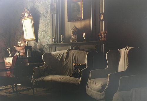 Maurice Rougemont et sa femme s'installent dans une maison de famille située sur la place de l'hôtel de ville de Noirmoutier