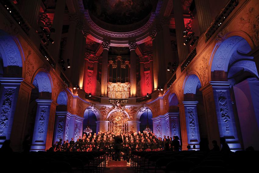 Ensemble vocal de l'École polytechniqueet Orchestre-Atelier Ostinato dans la Chapelle royale du château de Versailles