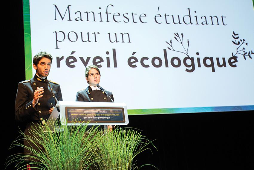 Des élèves polytechniciens présentent le Manifeste pour un réveil écologique