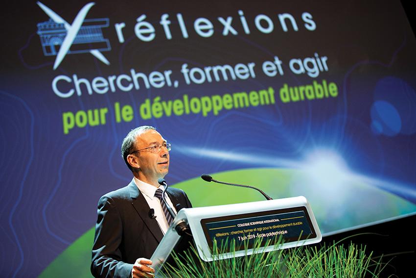 Éric Labaye, présentant le colloque de l'X sur le développement durable