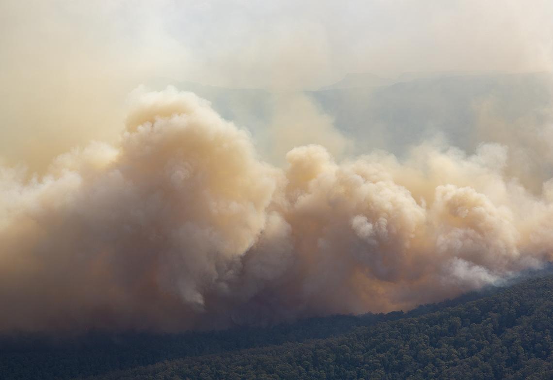 Polluants dans l'atmosphère suite aux incendies de forêt en Australie