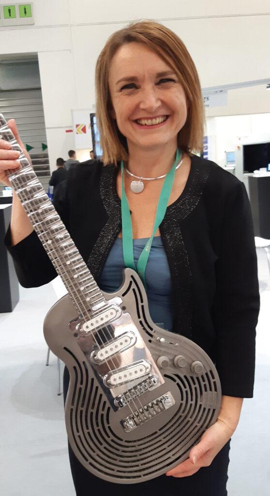 guitare smash-proof en titane de Sandvik