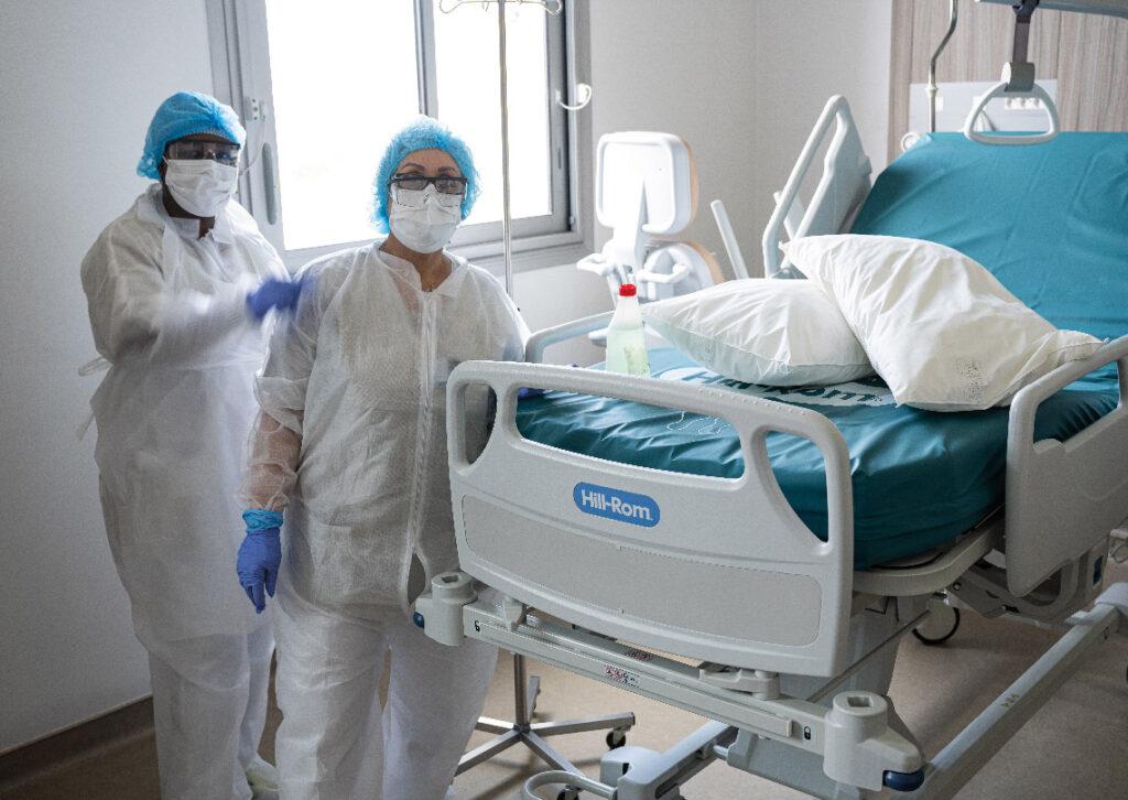 Chambre d'hospitalisation dans un étage dédié aux patients Covid+.