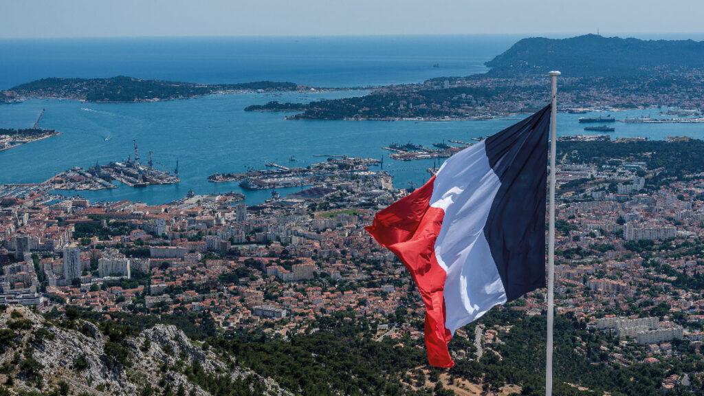 L'alimentation électrique des navires à quai sur la base navale de Toulon