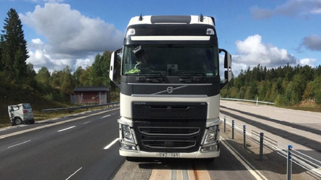 Site d'essai d'alimentation électrique par le sol (APS, Alstom), en Suède (Volvo).