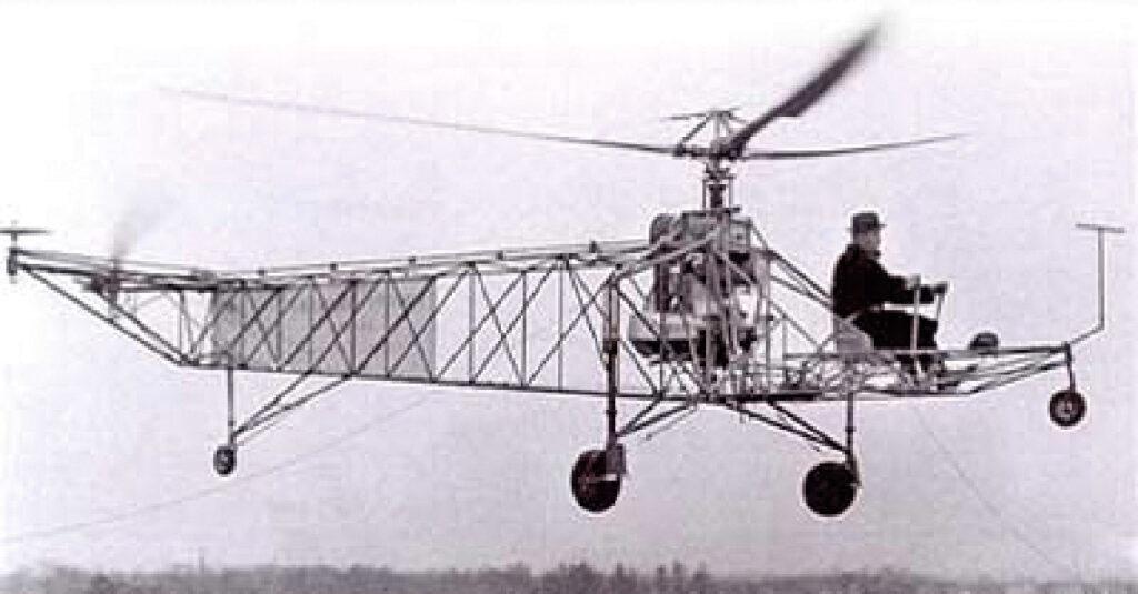 Aux Etats Unis Premier vol le 14 septembre 1939 du VS 300, avec Igor Sikorsky.